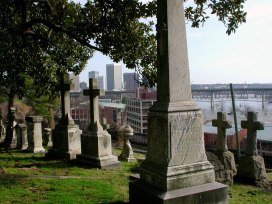 Hollywood_Cemetery-With_Skyline_and_River