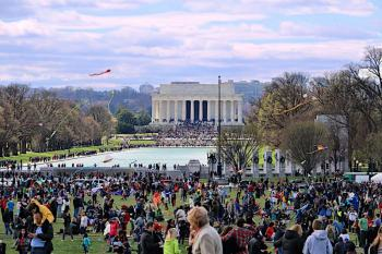 crowded-washington-monument-grounds-for-spring-national-cherry-blossom-festival-kite-festival-lincoln-memorial-in-background_ddc-photo